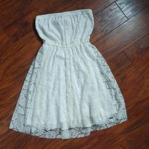 Hollister Cream Strapless Lace Dress